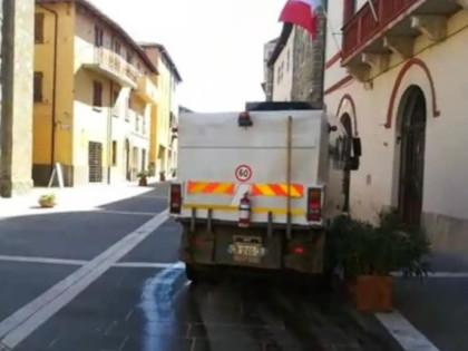 In corso la sanificazione di strade e aree urbane